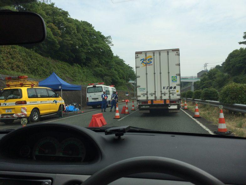 九州自動車道は工事中