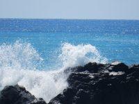 桂浜の白波