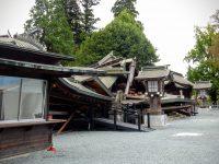 阿蘇神社にも降灰したようだ